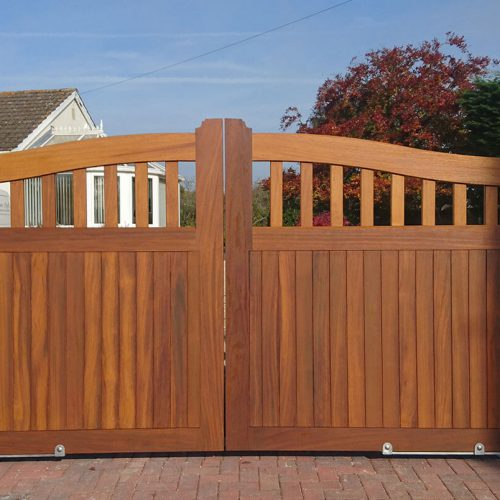 automatic-wooden-gate-500x500